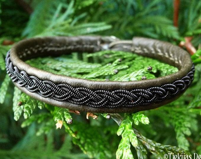 Indigenous Scandinavian bracelet, Large 19 cm, Ready To Ship, LIDSKJALV Olive reindeer leather Sami cuff, Black copper braid, Antler button