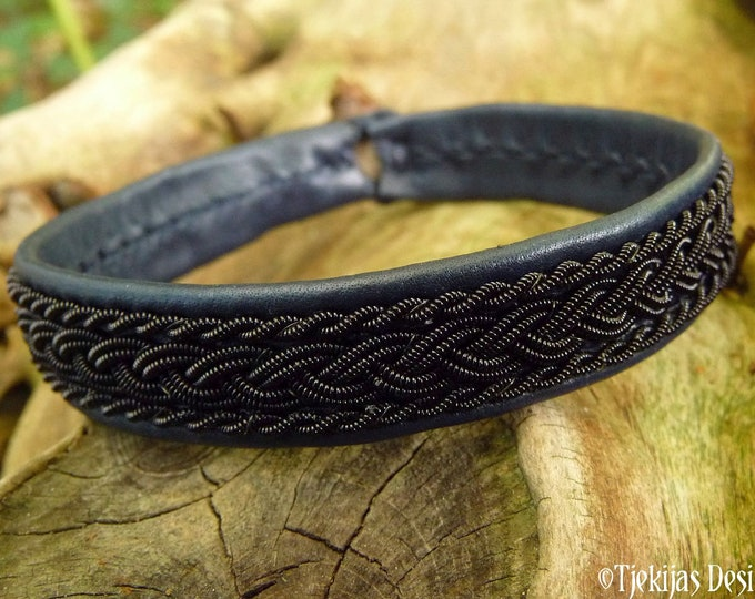 Sami Laplander bracelet , XLarge 20 cm, Ready To Ship, MJOLNIR Navy blue reindeer leather viking cuff, Black copper braid, Antler button