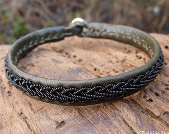Swedish Sami bracelet, Medium 18 cm, Ready To Ship, THOR Olive reindeer leather cuff, Black copper braid, Antler button closure