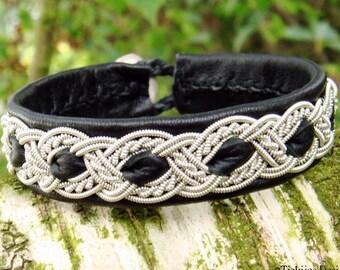 Sami bracelet, viking cuff ALFHEIM, Lapland Swedish bracelet in black reindeer leather with pewter braid and carved antler