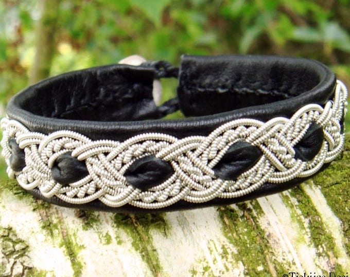 Sami bracelet, viking cuff ALFHEIM, Lapland Swedish bracelet in black reindeer leather with pewter braid and carved antler