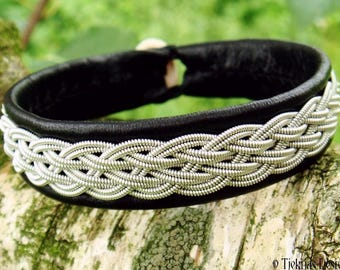 Sami bracelet, DVALIN Viking Cuff handcrafted in black reindeer leather, pewter braid and antler closure