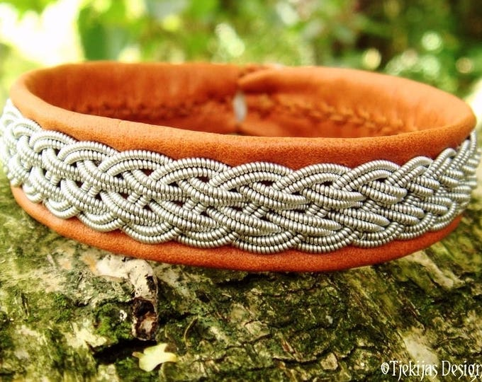 Viking Sami bracelet cuff DVALIN, handcrafted for men and women, in bark tanned leather with pewter braid