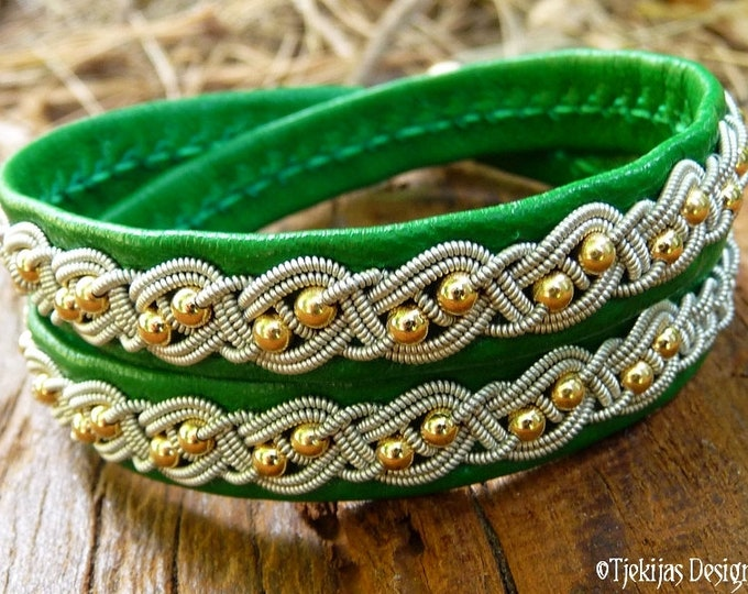 Viking Sami bracelet BIFROST, double wrap cuff in emerald green lambskin, with 14k gold and pewter braid