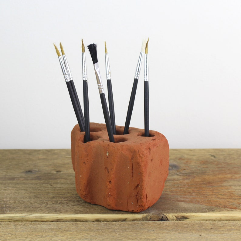 Sea Tumbled Brick Pen/Brush/Toothbrush Holder sourced from image 0