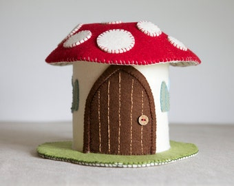 Toadstool Felt House Sewing Pattern – DIY embroidery sewing pattern for Mushroom play house – Toadstool fairy house soft toy tutorial