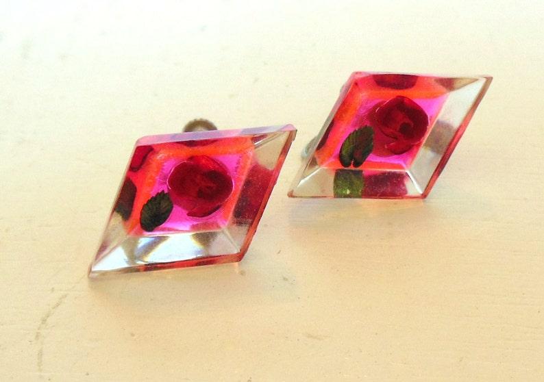 Vintage Reversed Carved Lucite Screw Back Earrings Roses Neon Pink 60/'s item 172