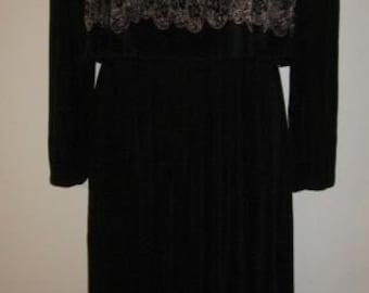small vintage VIRGINIE black and ivory knife pleated french dress