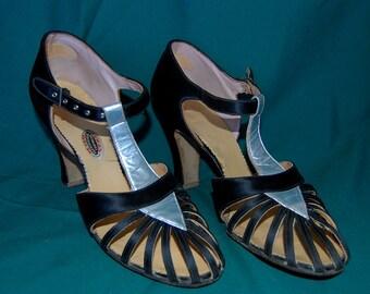 7abb71ffa625 antique 1920 flapper shoes