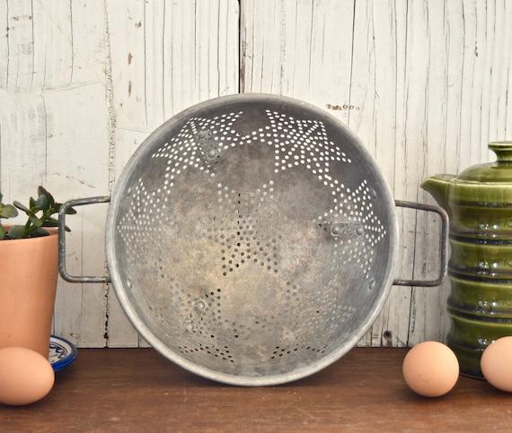 Large Vintage Standing Large Galvanized Aluminum Star Pattern Metal Colander Decor Kitchen Country Display Farmhouse Primitive