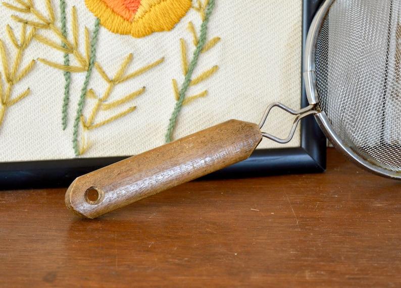 Vintage Mesh Hand Strainer with Brown Wooden Handle Handing Farmhouse Decor Colander Berry Pasta Vegetable