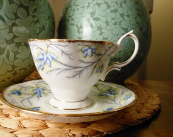 Vintage Royal Albert Bone China Teacup and Saucer Heather Bell Pattern