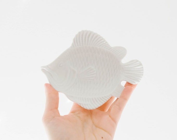 Mid Century Glazed White Porcelain Fish Plate // Jewelry // Scandinavian Beach House // Ocean // Nantucket // Vintage Pearls // Sea