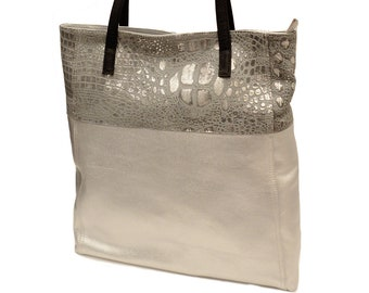 Leather tote snake pattern silver with black straps. Purse for Laptop, student bag, office purse, travel.