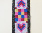 Quilted Heart Table Runner, Log Cabin Patchwork Heart Table Topper, Handmade Hand Quilted Valentine Decor, Rectangular Table Decoration