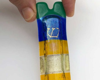 Jewish home blessing mezuzah case fused glass, Hebrew shin, yellow, green, blue dichroic