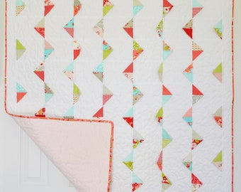 Be Happy Baby Girl Quilt // Moda Ruby Fabric // Sweet Floral in Pink, Red, Blue, Green and Grey