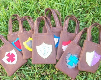 MEDIEVAL TIMES/ Knights in my party./Felt party bags/. for boys/ Set of 6 party favor