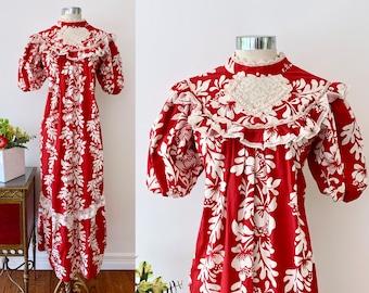 abc677f44813 Floral Hawaiian Dress / Carol Bennett Hawaii Vintage Red and White Mu Mu w  Lace / Ruffle High Neck Caftan Maxi Dress / One Size Fits Most