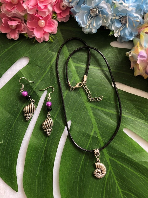 The Little Mermaid Set of Necklace and Earrings Ursula