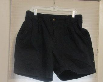 d0f4a45f3b2 white stag black shorts