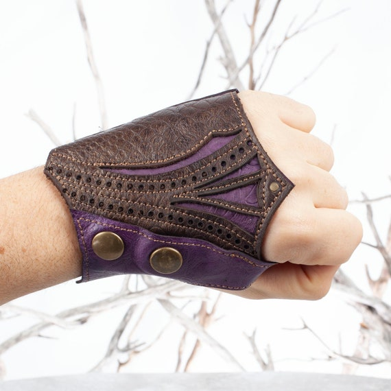 "Leather Fingerless Glove, Single Glove, Ninja Glove, Left Hand Glove, Size M, Fits 8"" Palm Circumference, Steampunk, Burning Man, Leather"
