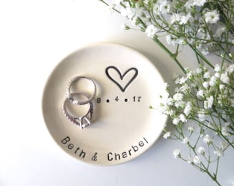 Ring holder, Ring dish, Engagement gift, Wedding gift, Gift for Couple, Bridal Shower gift, Personalized gift, engagement ring holder