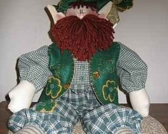 Kiss Me, I'm Irish Downloadable Pattern, St. Patrick Day Doll, Holiday Doll Pattern, Holiday Gift, Handmade, DIY project. Primitive Doll