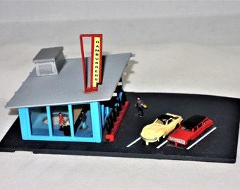 Bachmann Drive-In Hamburger Stand, N Scale Model 7209