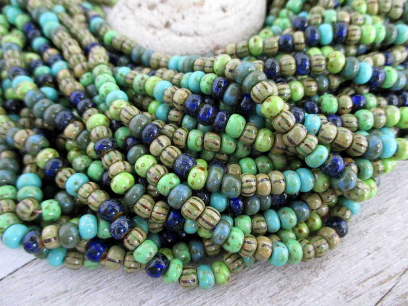 5/0 Rainforest Picasso Mix 4.5mm Strand 164 Beads Czech image 0
