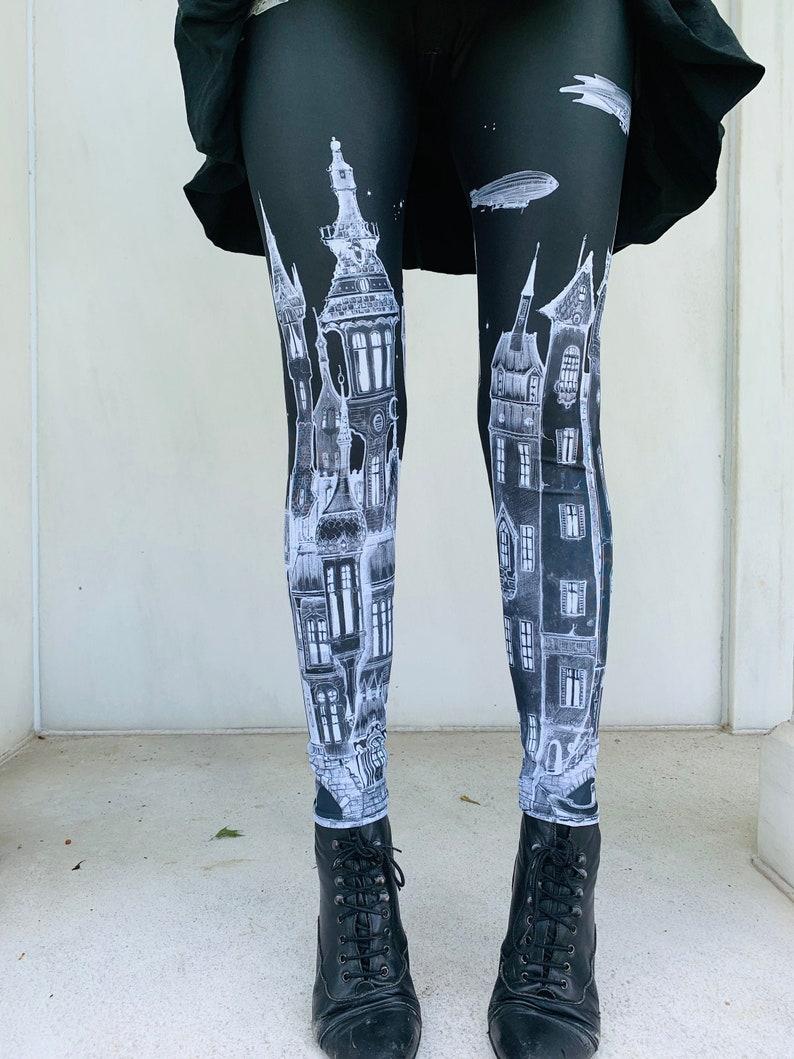 womens leggings victorian city zeppelins art Leggings  image 0