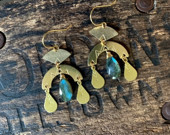 Labradorite Brass Arch Earring. Stamped Metal Crescent Hammered Stamped Gold Boho Native American Celestial Zodiac Charm Star Sky Night