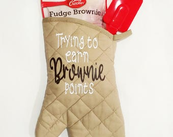 """Oven Mitt-Teacher Gift-Pot Holder-""""Trying to earn brownie points""""-Brownie Mix-Funny-Custom-Gift-Teacher-Kitchen Decor-Gift Wrap Options"""