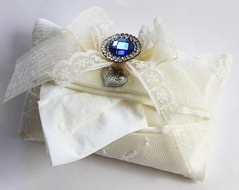 Bride tissue holder, Handkerchief holder, Personalized bridal shower gift, Bride to be gift, Wedding hanky