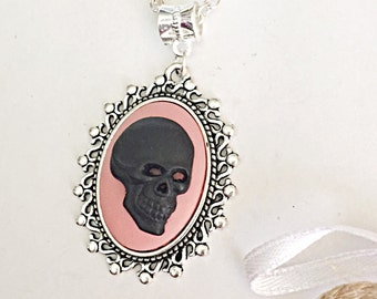 Skull Cameo Necklace For Women, Cameo Skull Pendant Necklace, Gothic Necklace Pendant Cabochon, Skull Jewelry For Women, Gothic Gifts, Black