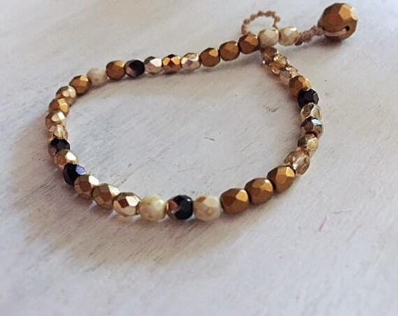 Minimalist Beaded Bracelet, Gold and Black, Boho luxe bracelet, Gift for Her, Girls Bracelet, Bohemian Jewelry