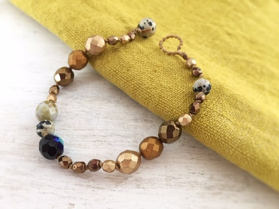 Simple Beaded Bracelet. Bracelet for Women. Earthy Gold Bracelet. Natural Bracelet. Minimalist Bracelet. Handmade Bracelet. Gift for her