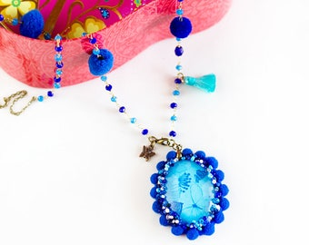 Collana perle - Collana lunga - Collana Pom Pom- Collana Farfalla - Collana Blu -  Collana boho - Collana Tessile - Bijoux