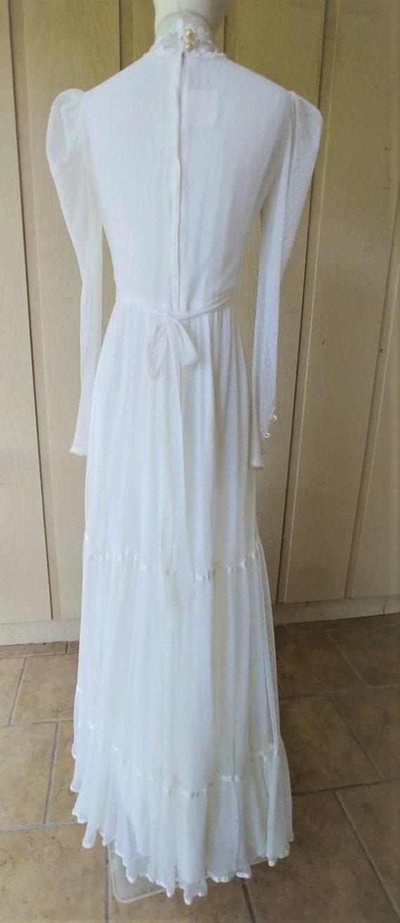 Vintage 1970s  Romantic White Lace Gunne Sax Gown - image 3