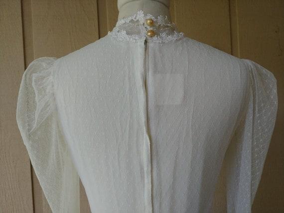 Vintage 1970s  Romantic White Lace Gunne Sax Gown - image 5