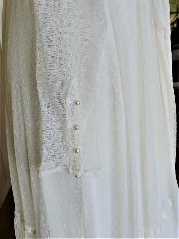 Vintage 1970s  Romantic White Lace Gunne Sax Gown - image 4