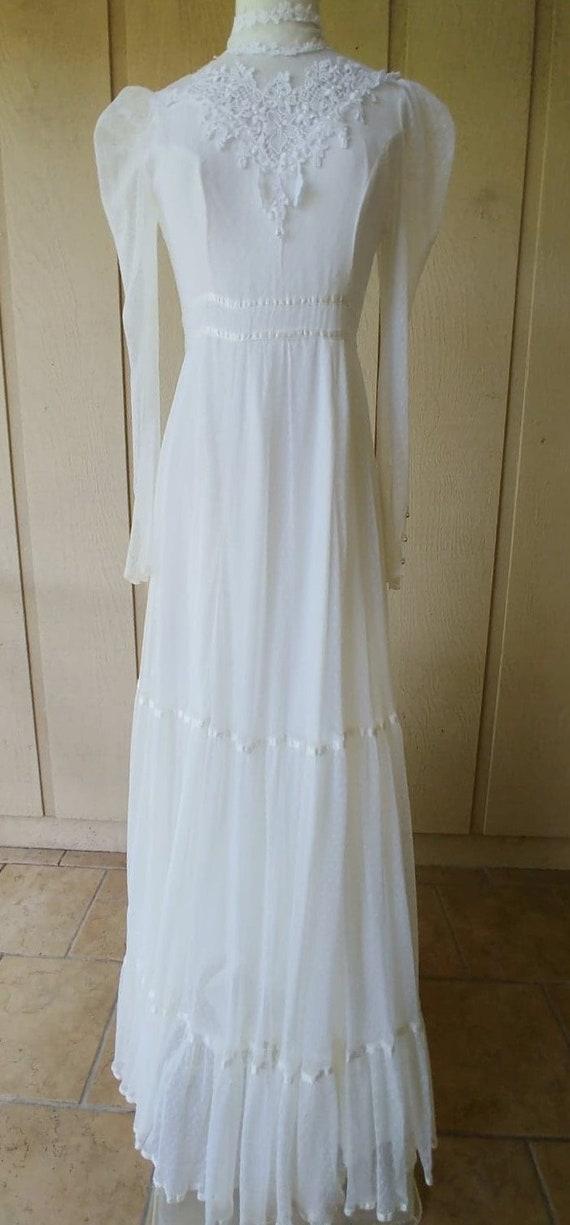 Vintage 1970s  Romantic White Lace Gunne Sax Gown - image 2