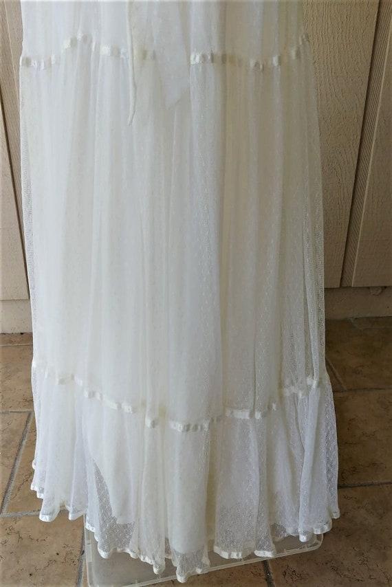 Vintage 1970s  Romantic White Lace Gunne Sax Gown - image 8