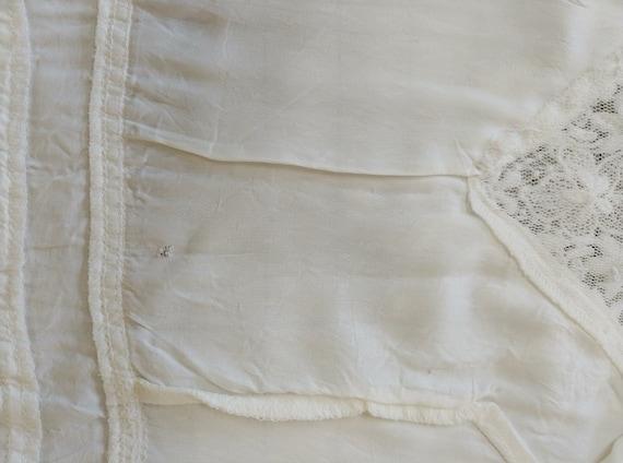 Vintage 1970s  Romantic White Lace Gunne Sax Gown - image 7