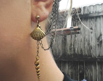 Gold Sea Shell/ Ocean double chain - Cartilage to Lobe Chain Earring