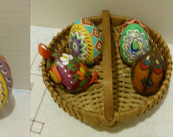 Hand Made NC Double Butt Basket with Four (4) Hand Painted Wooden Easter Eggs