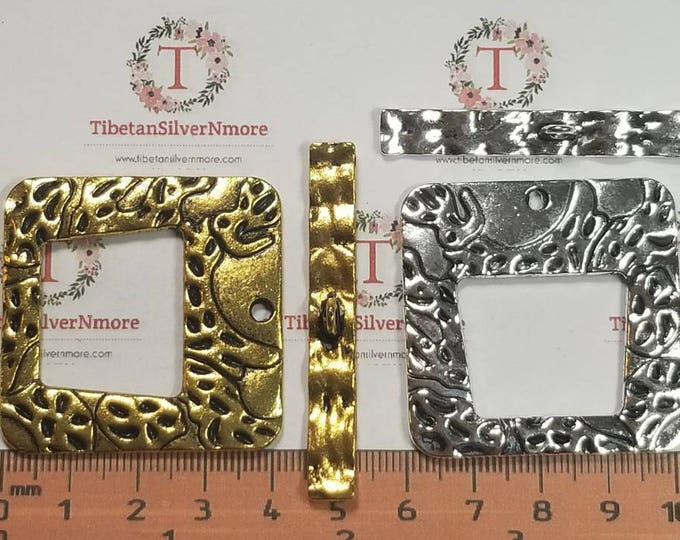 2 pairs per pack 40mm Antique Silver or Gold Finish Rectangular Hammered Toggle Lead Free Pewter.
