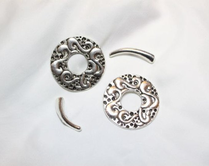 2 pairs per pkg - 38mm Antique Silver Finish Lead Free Pewter Large Vocal Toggle
