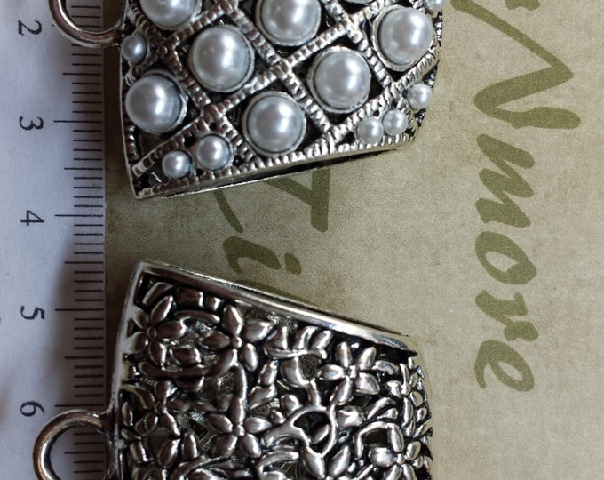 2 pcs per pack of 40x34x20mm Reversible Glass Pearl and Filigree Extra Large Scarf Bail Antique Silver Pewter.