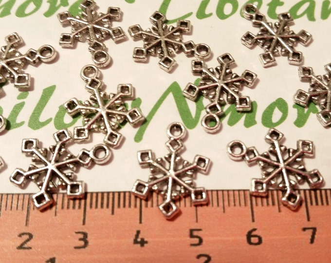 16 pcs per pack 18mm Snowflake Charm Antique Silver Finish Lead Free Pewter